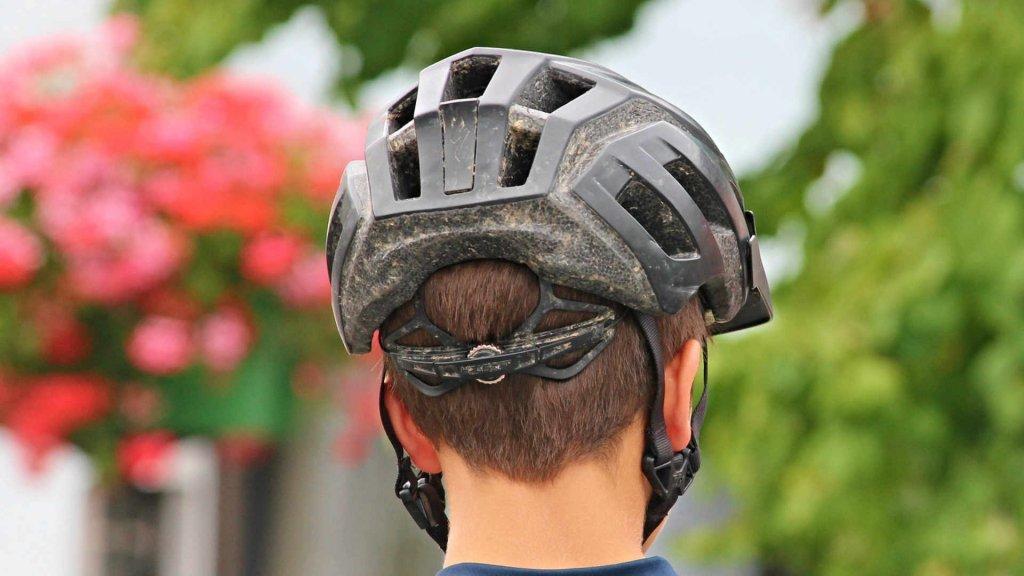 Schmerzensgeld obwohl ohne Helm