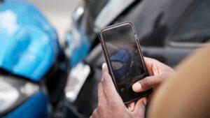 Versicherung über Unfall informieren