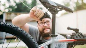 Fahrrad wird repariert