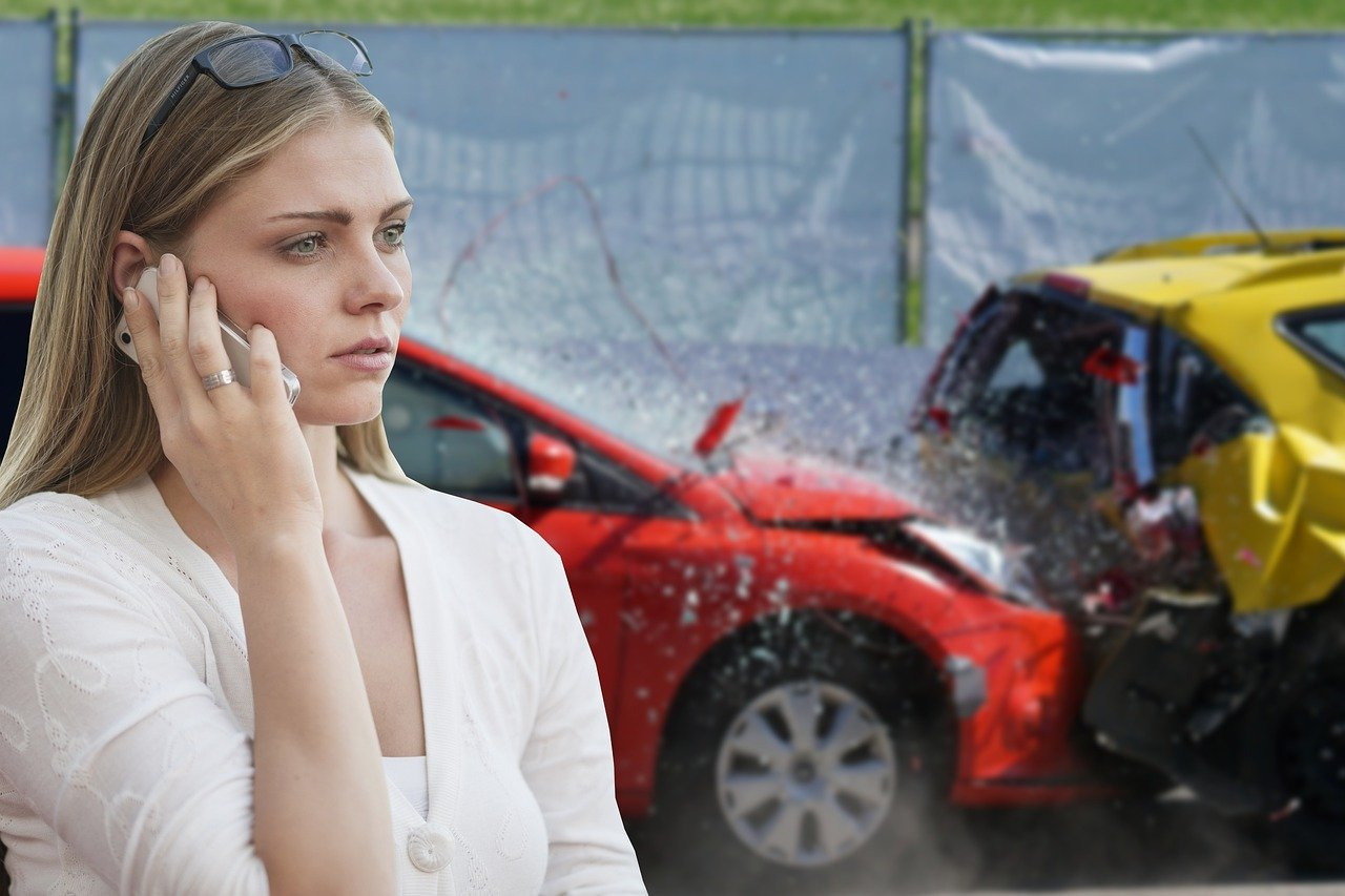 HUK Verkehrsunfall melden